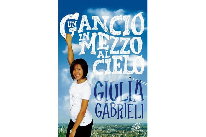 Giulia, morta a piedi nudi «per sentire le nuvole del Paradiso».