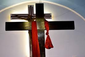 La gloria della Croce, eloquenza del silenzio.