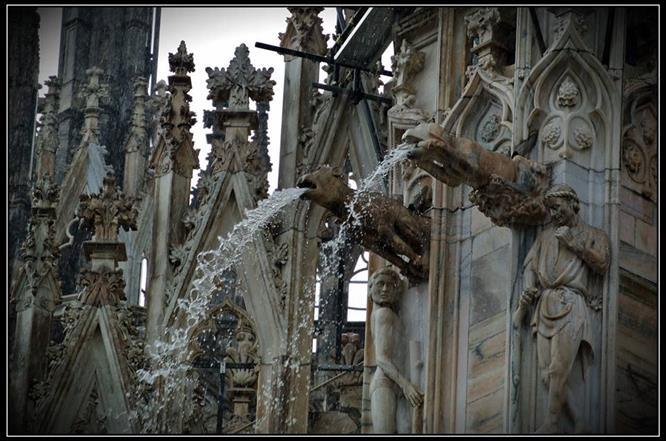Se oggi ammirate il Duomo di Milano è anche grazie……..