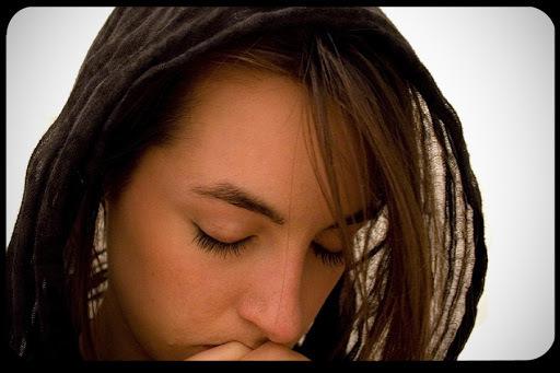 6 consigli per smettere di criticare, mettersi a pregare e insegnare a farlo.