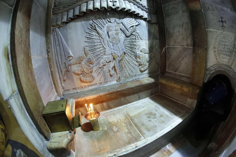 Mistero intorno all'apertura della tomba di Cristo